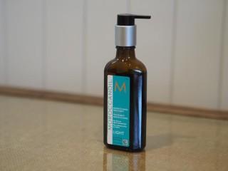 モロッカンオイルが売れております♫ 実はこんな使い方も‼️ シャンプーの前につけると、、、、。